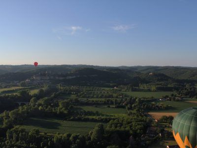 Camping Dordogne | La Peyrugue - Camping 3 étoiles | Périgord Noir | vue du ciel