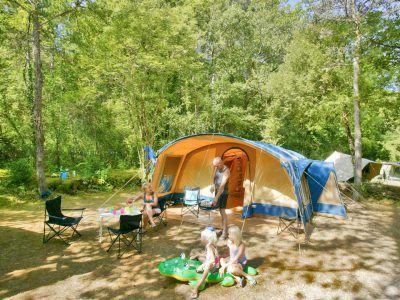 Emplacement tente camping Dordogne | La Peyrugue - Camping 3 étoiles | Périgord Noir