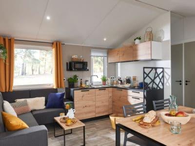 mobil home séjour salon cuisine équipée